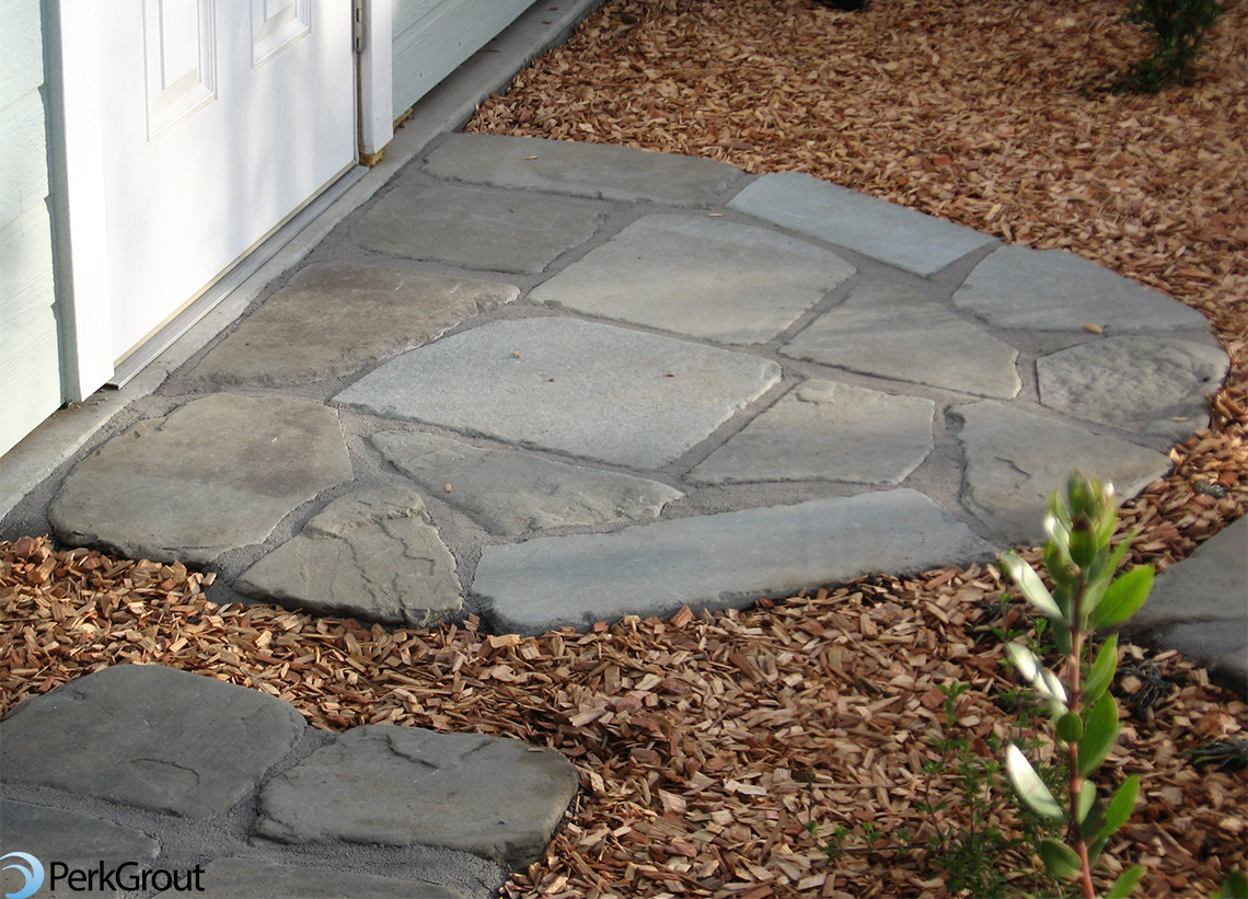 Flagstone-landing-with-Grey-PerkGrout