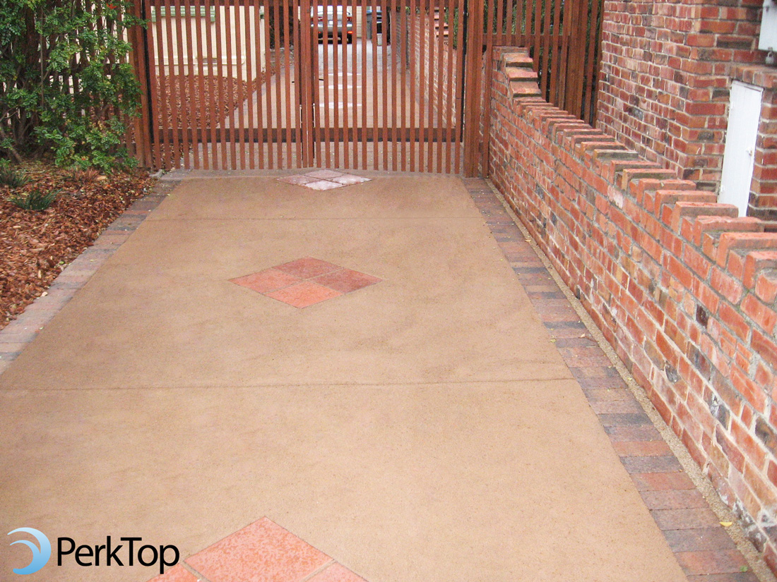 PerkTop-permeable-driveway-with-pavers-&-tile-design