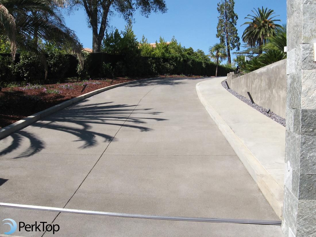 PerkTop-perviious-concrete-sloped-driveway